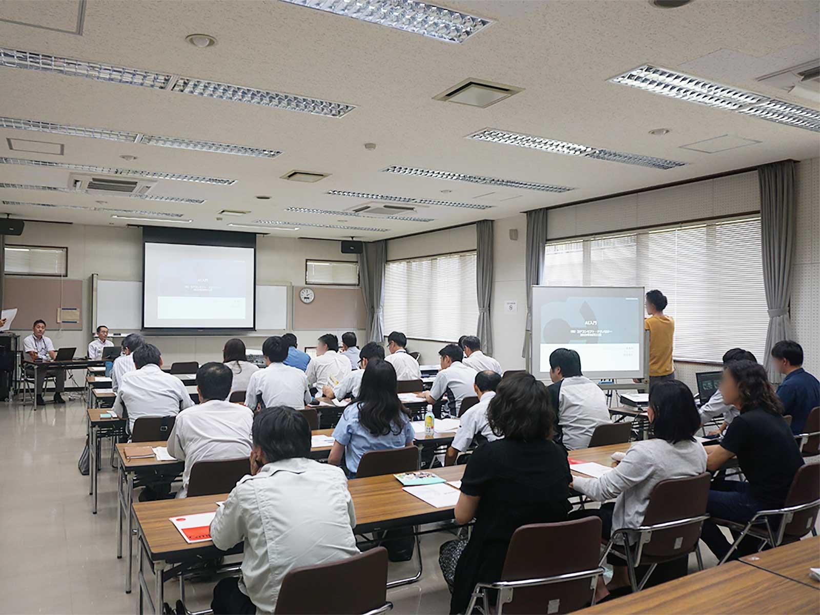 佐賀県にて「AI初めの一歩 今さら聞けない!? 製造業におけるAI/IoT」のセミナーを行いました
